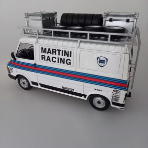 1:18 Fiat 242 Martini Rally team Assistance (with roof accessories)